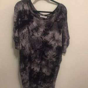 Tops - Stylish Batwing Tie Dyed Top! Size L